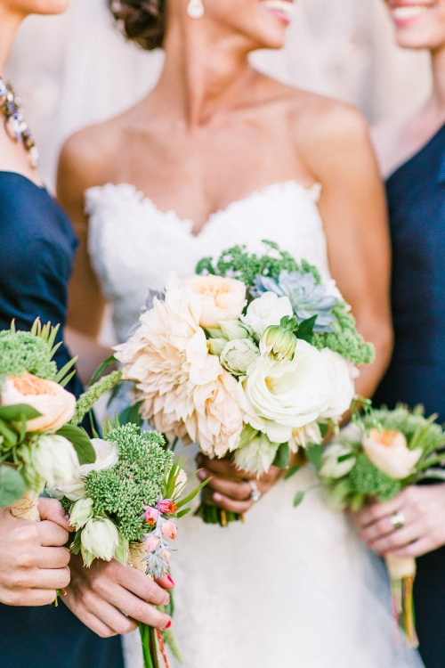 Bridemaids and bride's bouquet